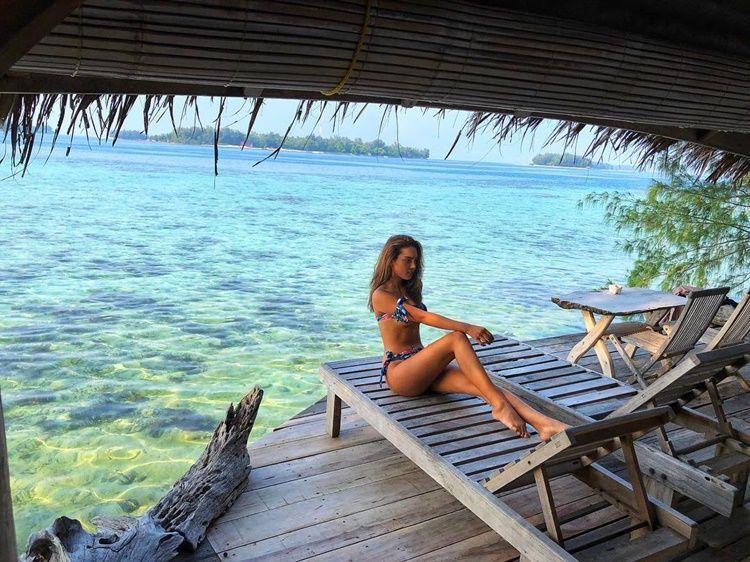9 Foto Erica Carlina, Pacar Baru Aldy Maldini yang Pede Tampil Seksi