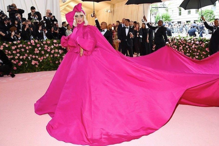 4 Kali Ganti Busana, Lady Gaga Sukses Curi Perhatian di Met Gala 2019
