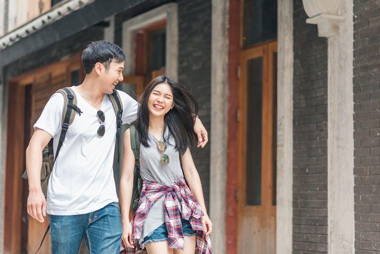 9 Cara Membuat Laki-Laki Jatuh Cinta
