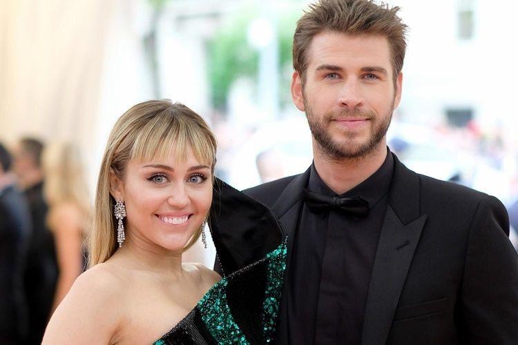 Miley Cyrus dan 5 Seleb Hollywood yang Menikah di Rumah