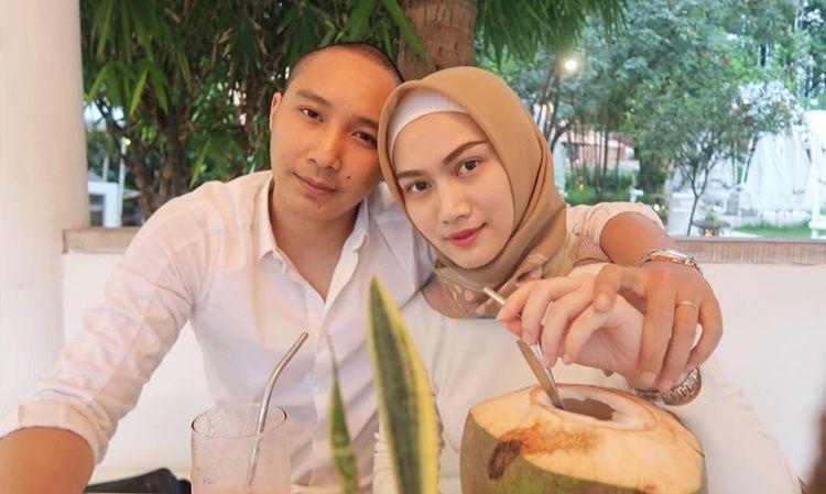Cerita Syahrini dan 5 Artis Jalani Ramadan Pertama Bersama Suami