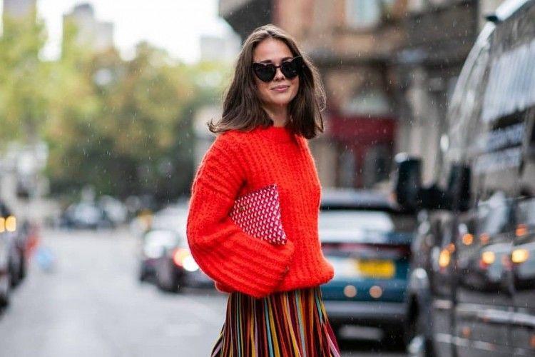 6 Trik Memakai Sweater yang Nggak Diketahui Orang Awam