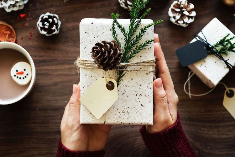 Mantanmu Memberi Hadiah, Sebaiknya Terima atau Jangan?