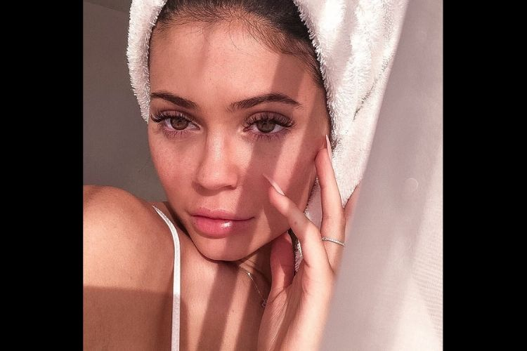 Setelah Makeup, Kylie Jenner Siap Hadirkan Serangkaian Produk Skincare