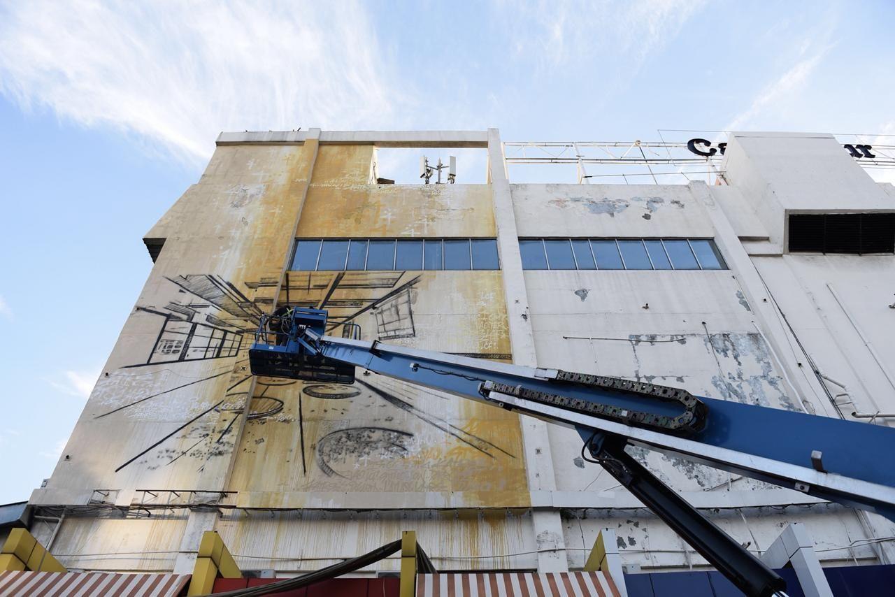 Seniman Indonesia dan Prancis Percantik Tembok Duta Merlin Harmoni