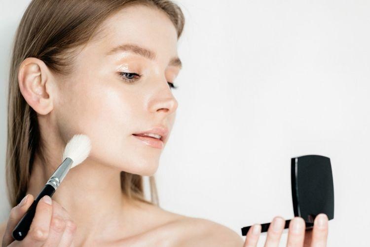 Ini Langkah Mengaplikasikan Makeup untuk Kamu yang Memiliki Freckles