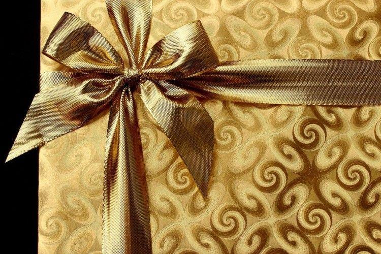 7 Ide Hadiah Spesial yang Cocok untuk Orangtua Saat Lebaran