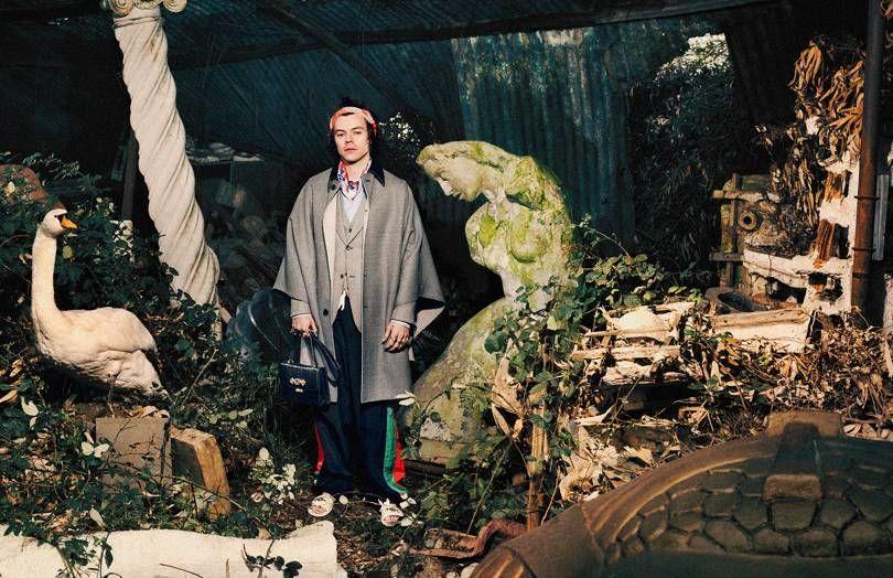 Gaya Flamboyan Harry Styles di Kampanye Iklan Gucci Tailoring