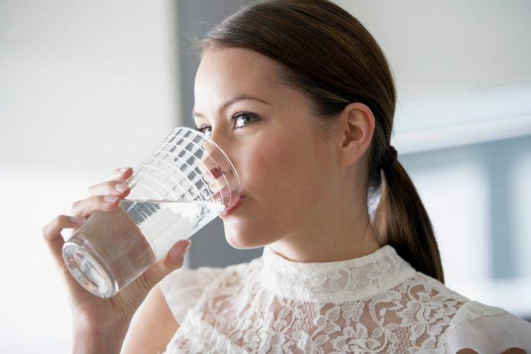 7 Cara Mencerahkan Bibir Hitam yang Bisa Dicoba