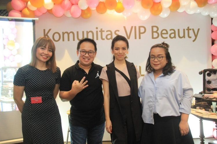 Serunya Belajar Makeup Bersama Komunitas VIP Beauty