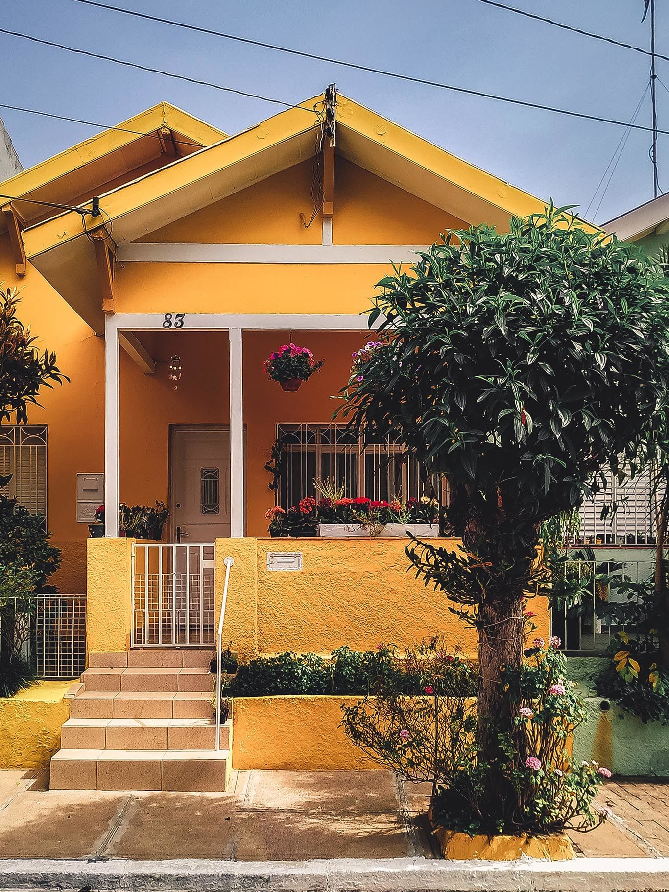 80 Gambar Rumah Cat Oranye Kekinian