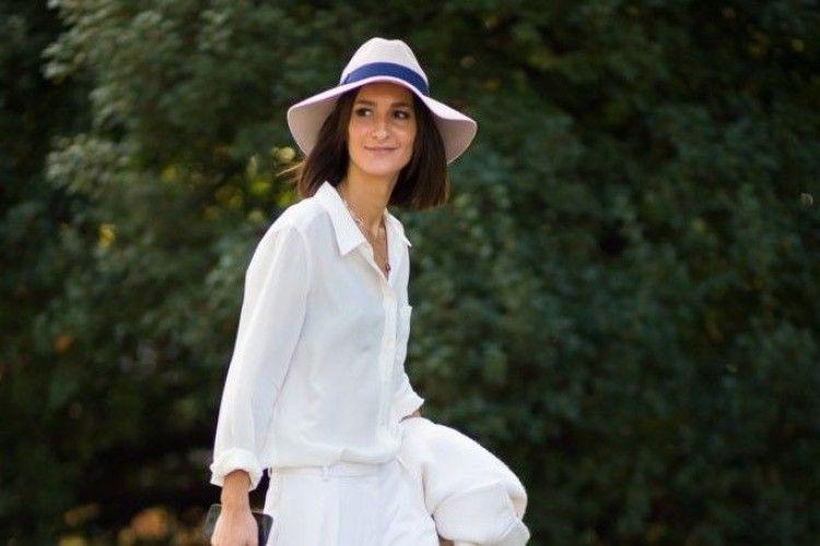 Biar Baju Putihmu Nggak Terkesan Plain Pasangkan dengan 8 Aksesori Ini