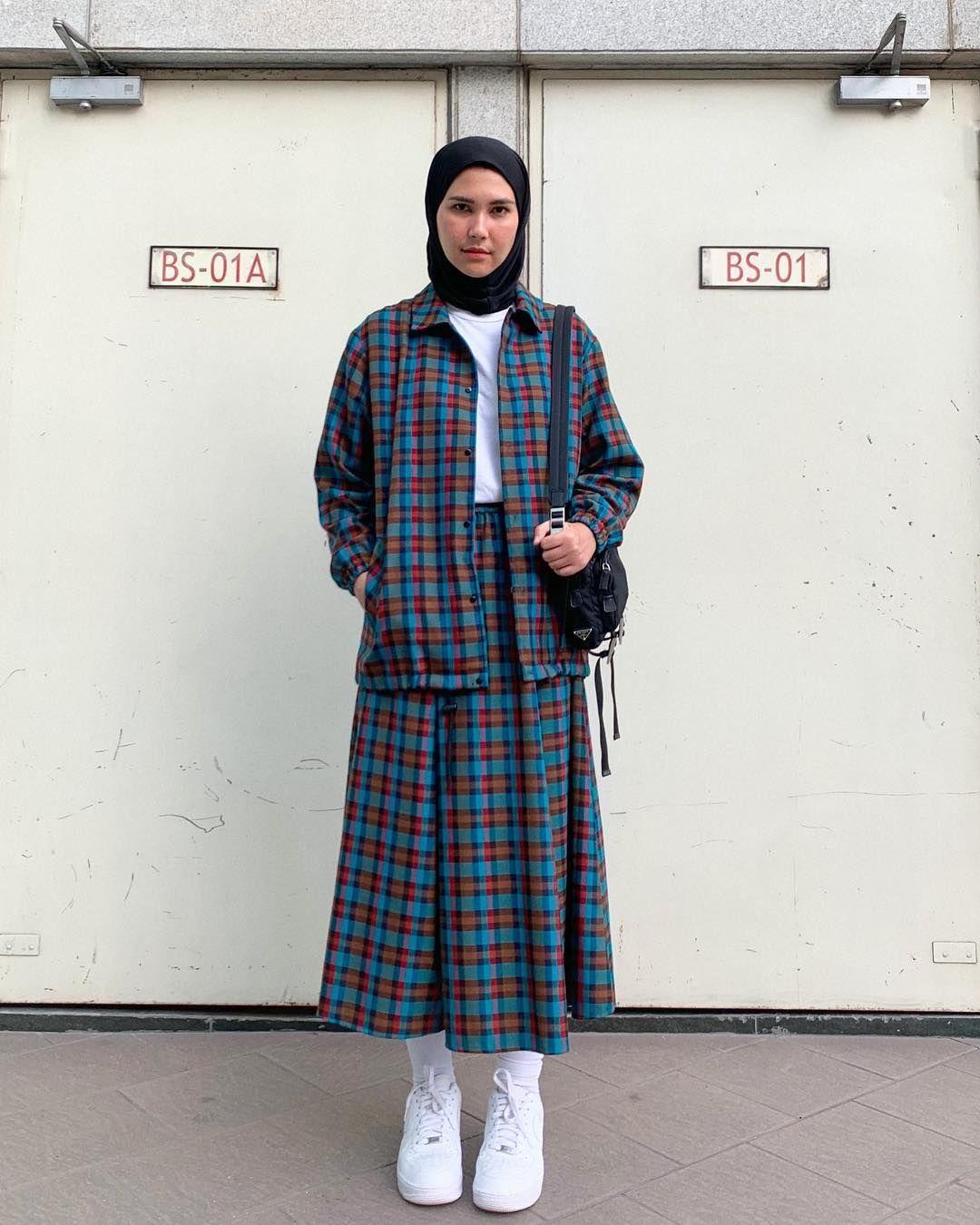 Biar Gaya-mu Nggak Membosankan, Simak 5 Tips Hijab A la Rani Hatta