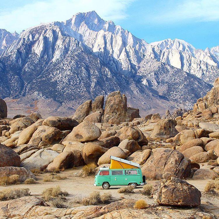 Foto Unik di Mobil Van Saat Traveling yang Bikin 'Mupeng'