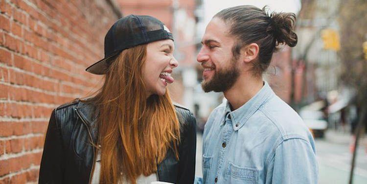 Kumpulan Pantun Cinta Romantis Buat Pacar Tersayang