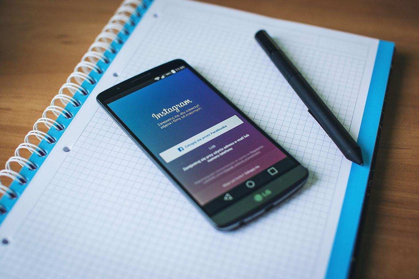 Penyebab Kita Pernah Iri dengan Unggahan Teman di Media Sosial