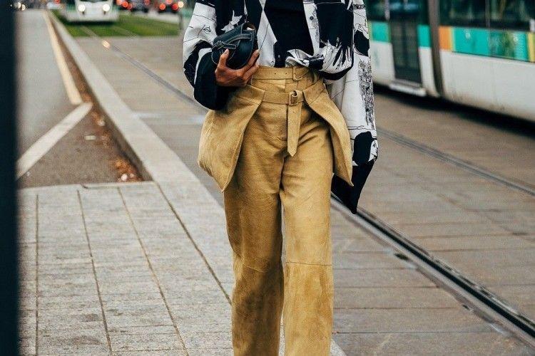 Trendi Saat Hadiri Halal Bihalal, Pilih 7 Model Celana Kece Ini Yuk!
