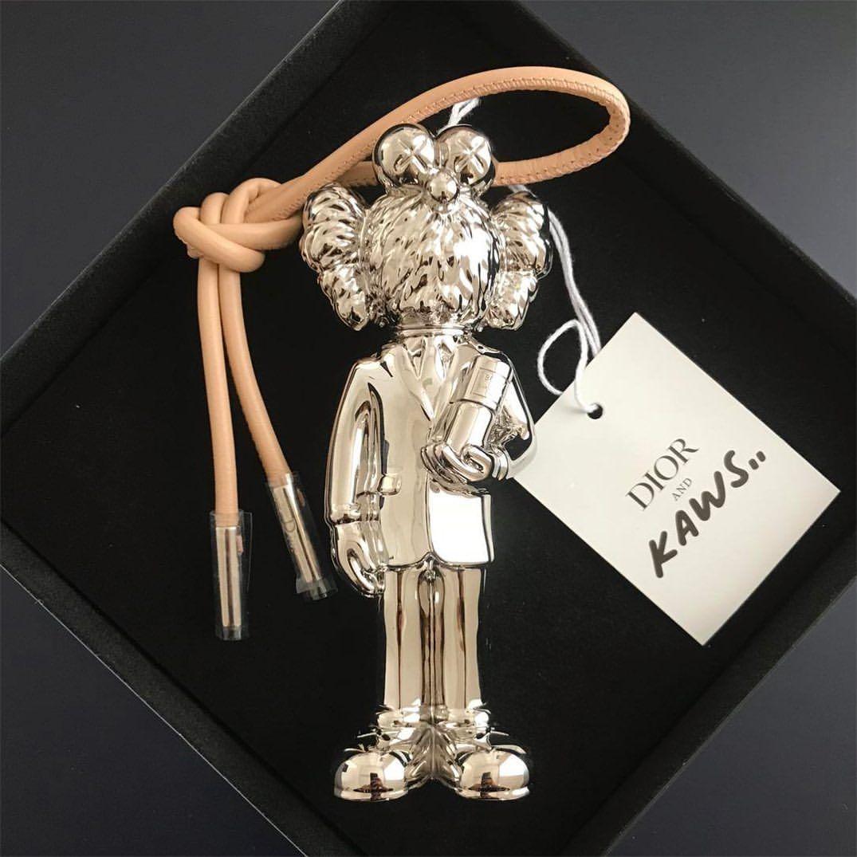 KAWS Rilis Botol Parfum Portable! Super Gemas!