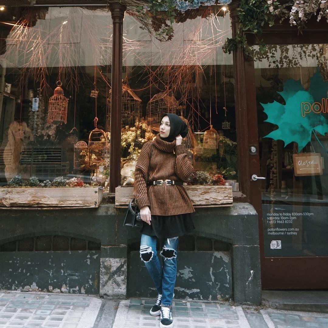 6 Trik Padukan Celana Jeans A la Hijab Influencer yang Wajib Kamu Tahu