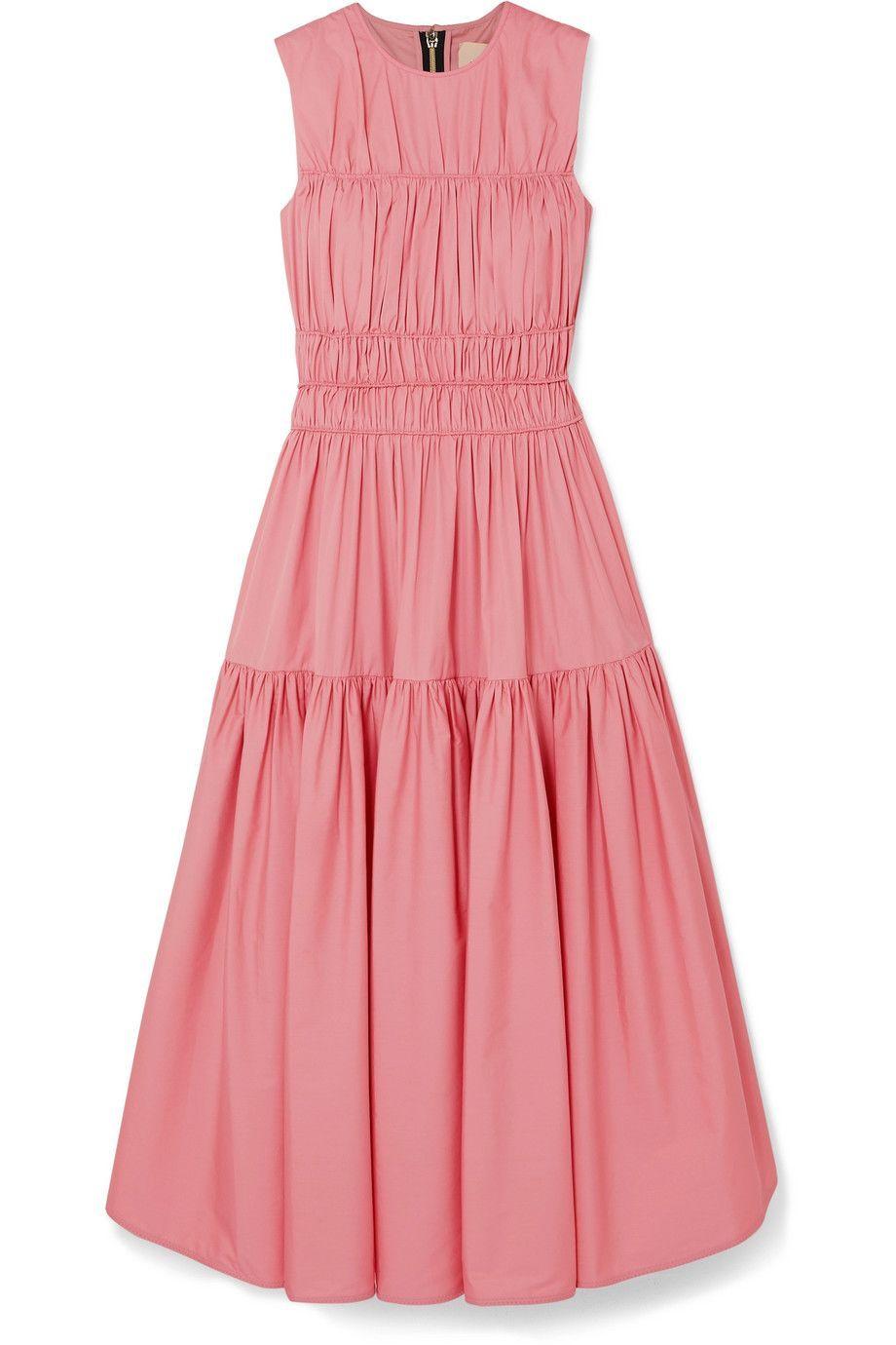 #PopbelaOOTD: Bukan Tipikal Pink Dress yang Romantis