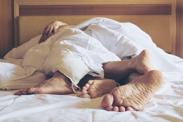 5 Cara Berhubungan Intim Saat Hamil Tua