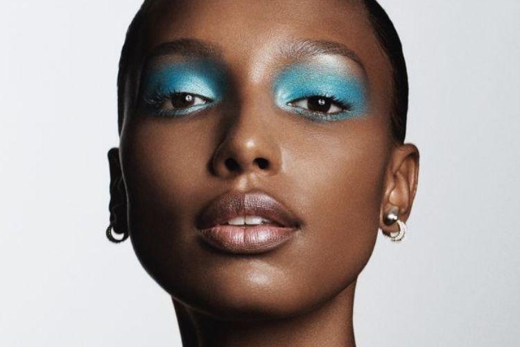 Nggak Sekedar Melembapkan Bibir, Inilah 5 Fungsi Lain dari Lip Balm