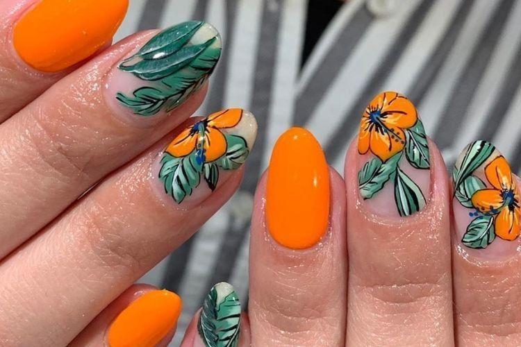 Tren Baru! ini Inspirasi Nail Art Motif Floral yang Cantik