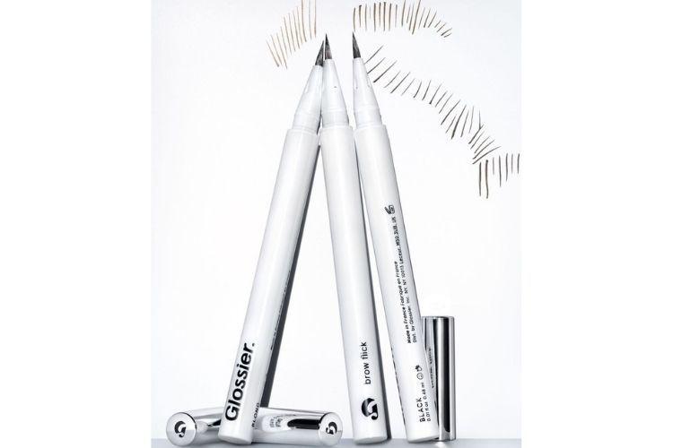 Ciptakan Tampilan Alis Natural dengan Brow Flick Pen dari Glossier