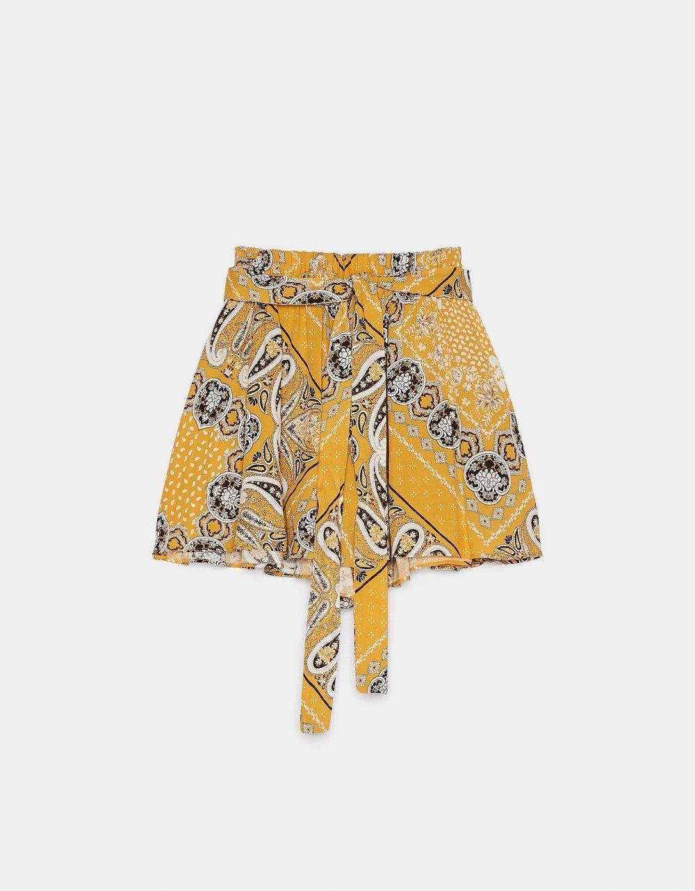 Ciptakan OOTD Santai dengan Mengandalkan 5 Rekomendasi Short Pants Ini