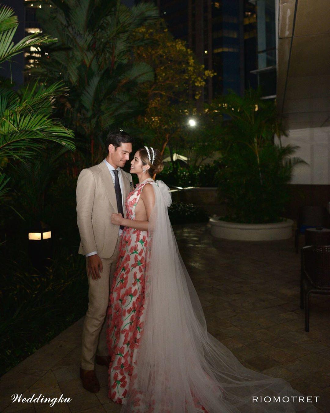 Tampil Menawan, Jessica Iskandar Pakai Gaun Super Mewah Saat Tunangan