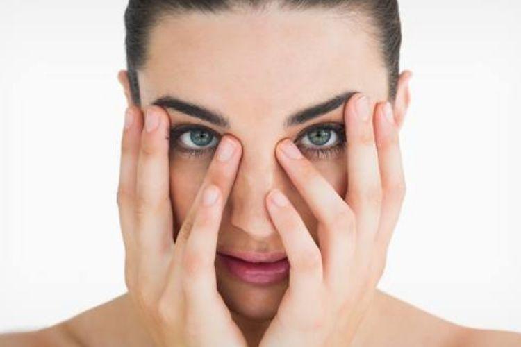 7 Cara Menghilangkan Kantung Mata Secara Alami