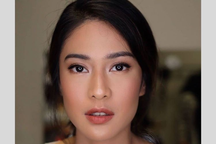 7 Inspirasi Makeup Romantic Look a la Seleb Buat Kencan dengan si Dia