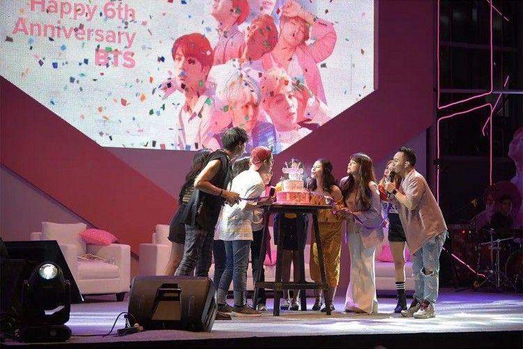 Keseruan Perayaan Ulang Tahun BTS Bersama Para Army & Lazada