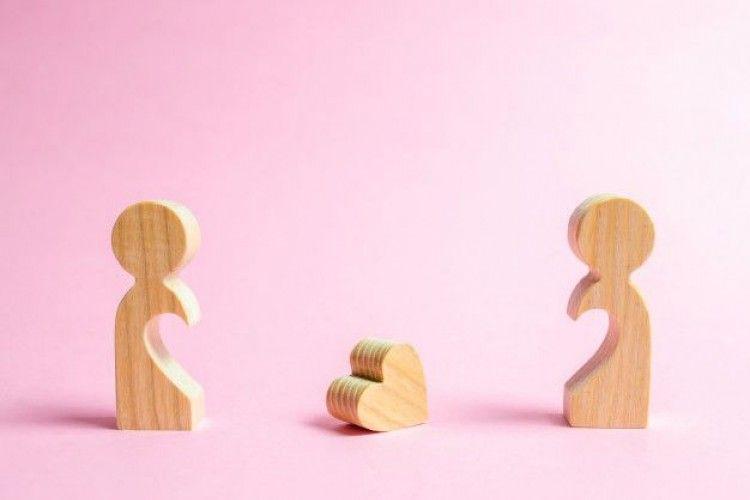 5 Tipe Mantan yang Nggak Bisa Dijadikan Teman