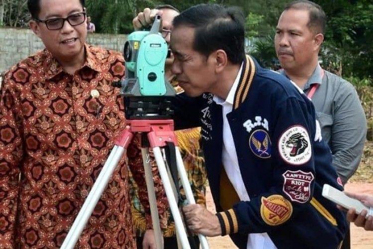 Kekinian! Ini 10 Potret OOTD Paling Hits dari Jokowi