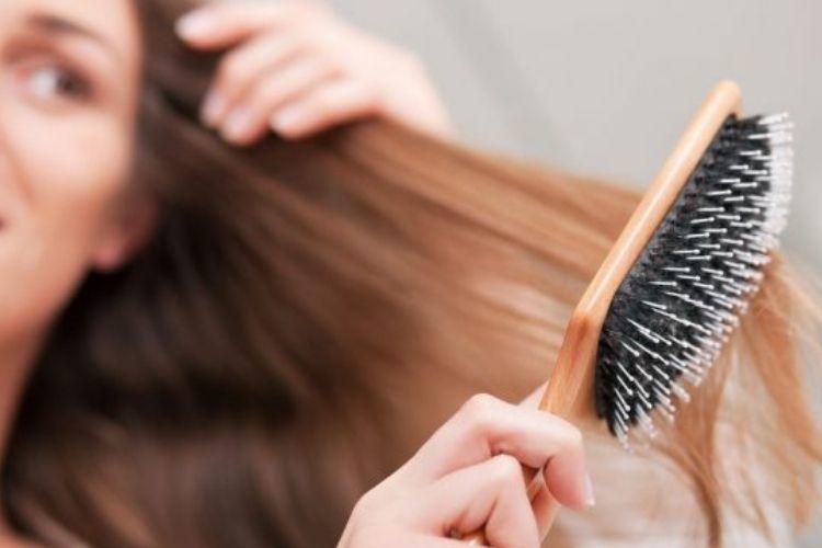 7 Kesalahan Saat Menata Rambut yang Wajib Kamu Hindari