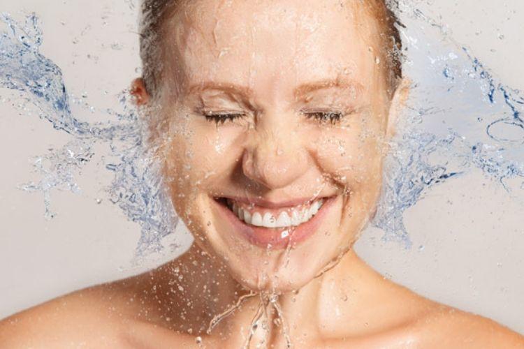 5 Manfaat Air Putih untuk Kulit Wajah