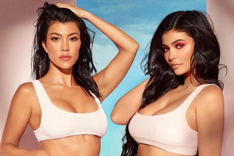 Gaya KeluargaKardashian-Jenner saat Berbikini, Siapa yang Lebih Hot?