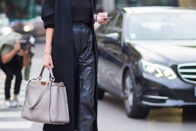 Bikin Gaya Tambah Trendi dengan 6 Kumpulan Celana Hitam Ini