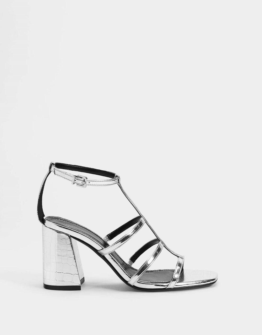 Tampil Maksimal, 6 Statement Shoes Ini Bisa Menjadi Pilihanmu