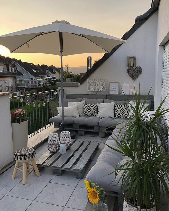 10 Inspirasi Desain Balkon Cantik di Lahan Sempit
