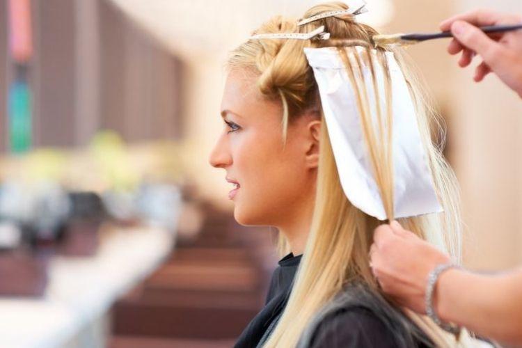 7 Tips Penting yang Wajib Diketahui Sebelum Mewarnai Rambut
