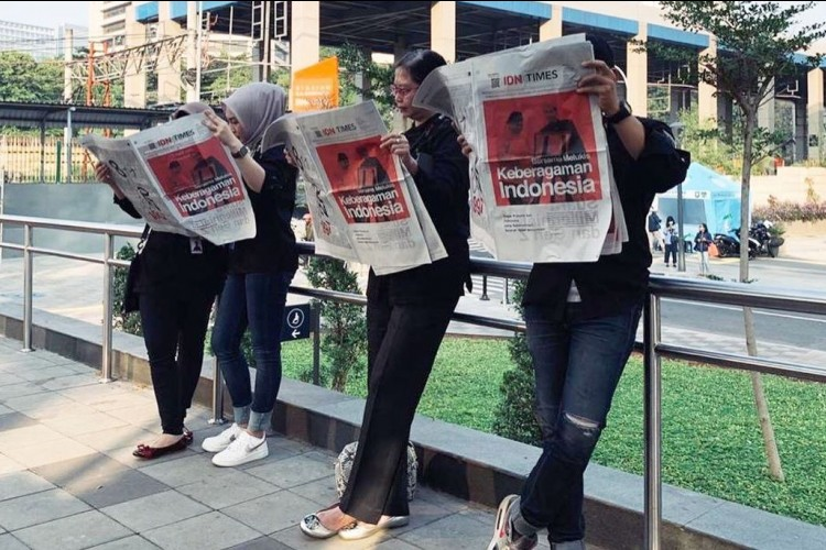 """Siapa Pribumi Asli Indonesia?"" Jadi Headline Koran IDN Times Pertama"