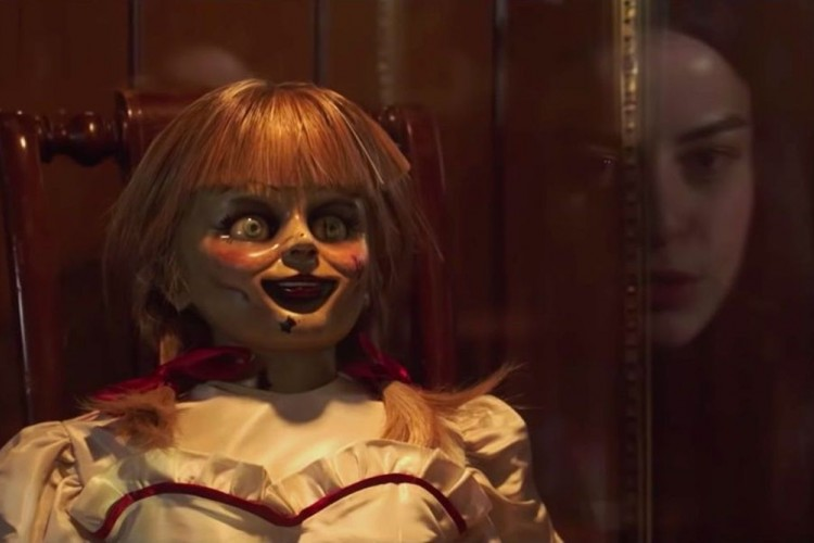 Review Film Annabelle Comes Home: Conjuring Universe yang Nggak Seram