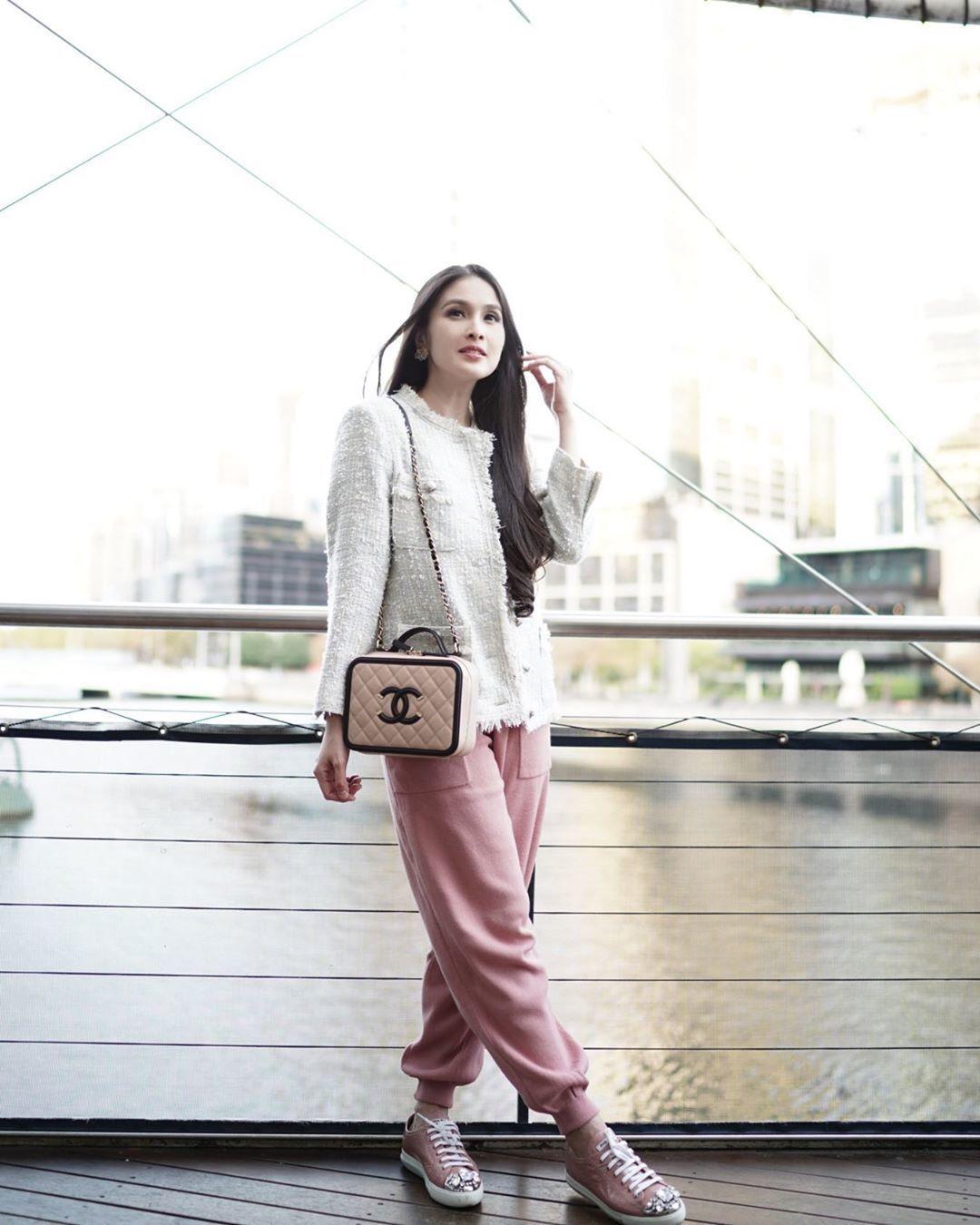 Jessica Iskandar dan 6 Seleb Lainnya dengan OOTD Terbaik di Minggu Ini