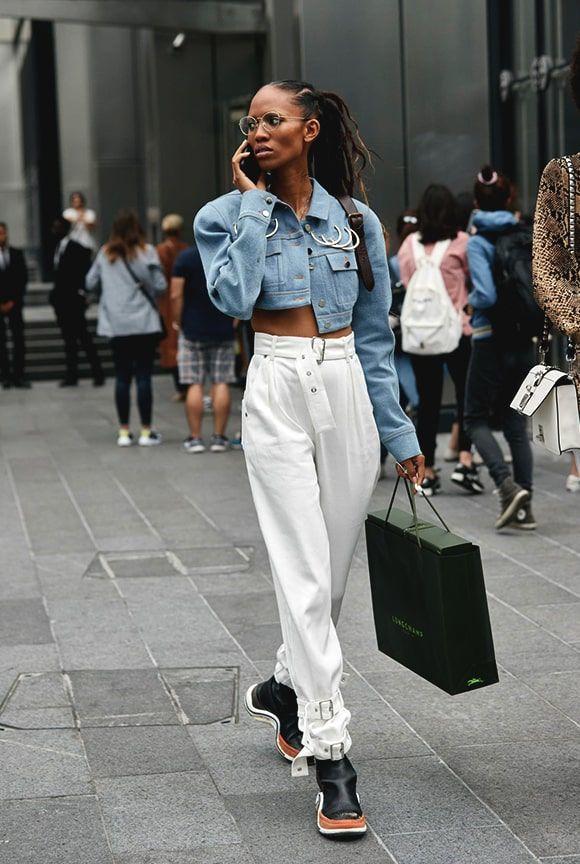 Cara Membuat Celana Putih jadi Lebih Menarik dan Chic