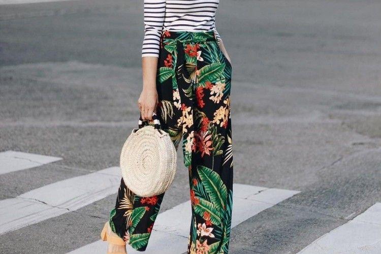 7 Celana Penuh Motif Ini Sempurnakan Penampilanmu di Musim Panas
