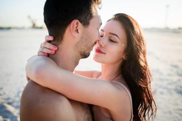 7 Cara Memuaskan Pasangan Hanya dengan Hand Job