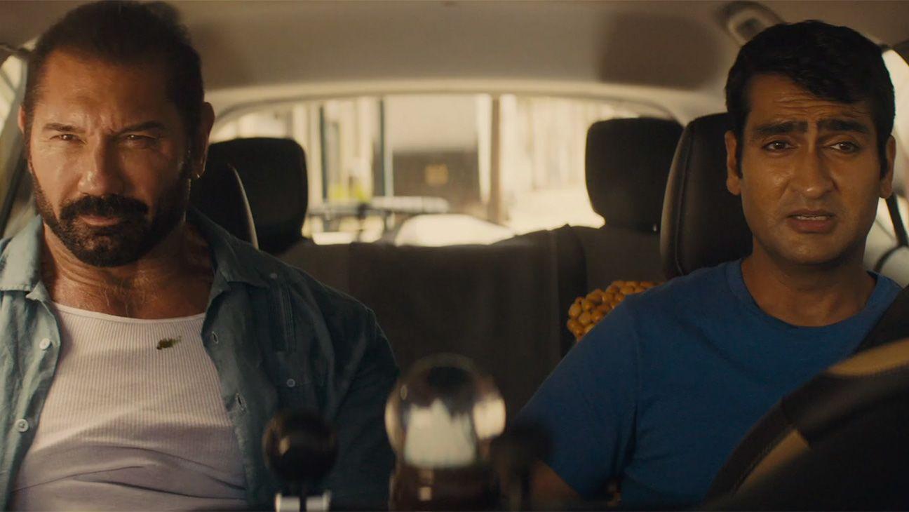 Review Film Stuber: Film 'Action' yang Bikin Tertawa Sepanjang Film