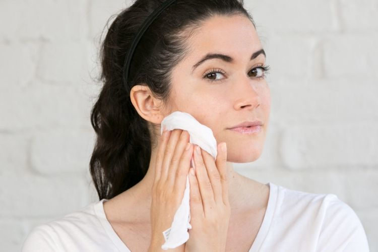 Kenali 7 Kesalahan saat Mencuci Muka
